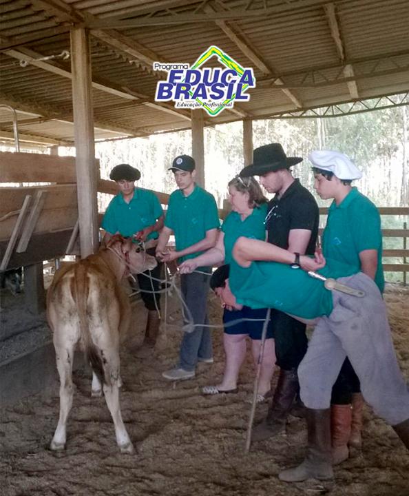 Visita Técnica | Turma do Curso de Assistente Veterinário | Dom Pedrito/RS