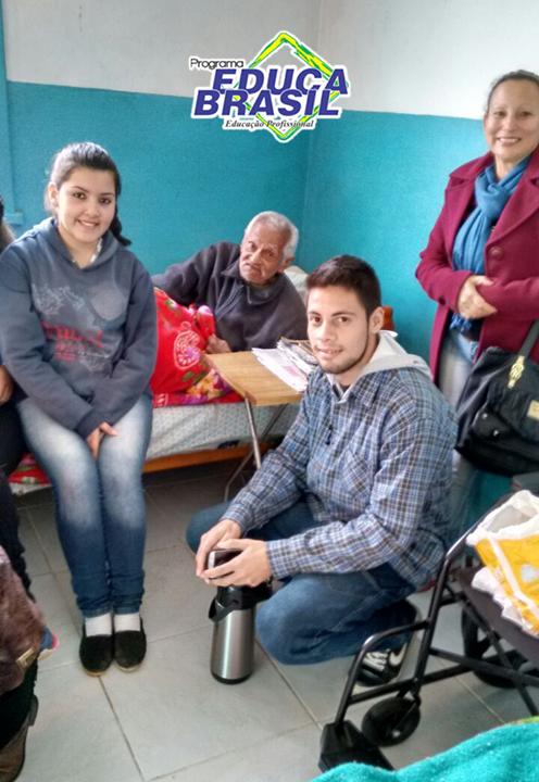 Ação social | Turma do Curso de Atendente na Área de Saúde e Farmácia | Dom Pedrito/RS